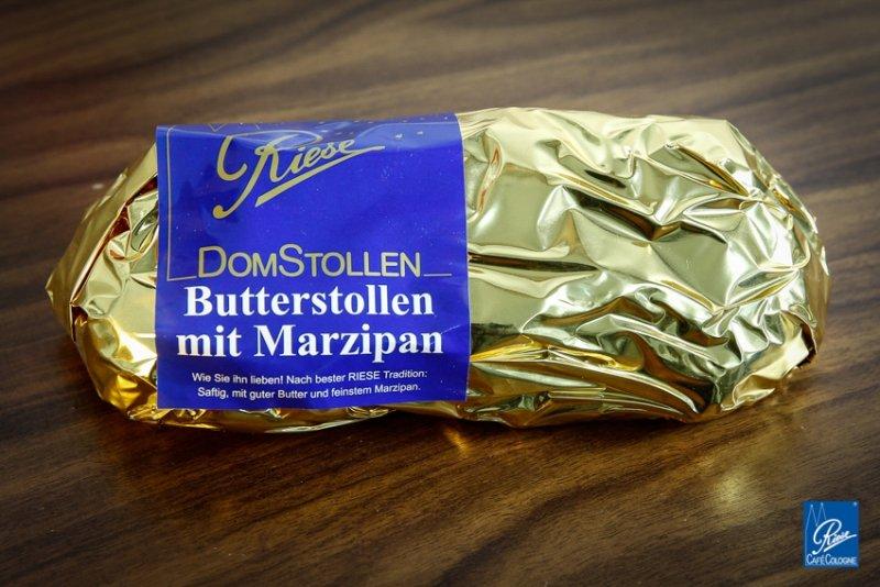 butterstollen-marzipan-500g-in-goldfolie-verpackt